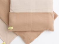 ブランケットとクッションのあったかセット「Camel blanket in cushion」